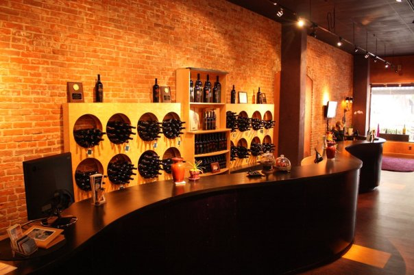 Wine - thumbprint-cellars-wine-tasting-room